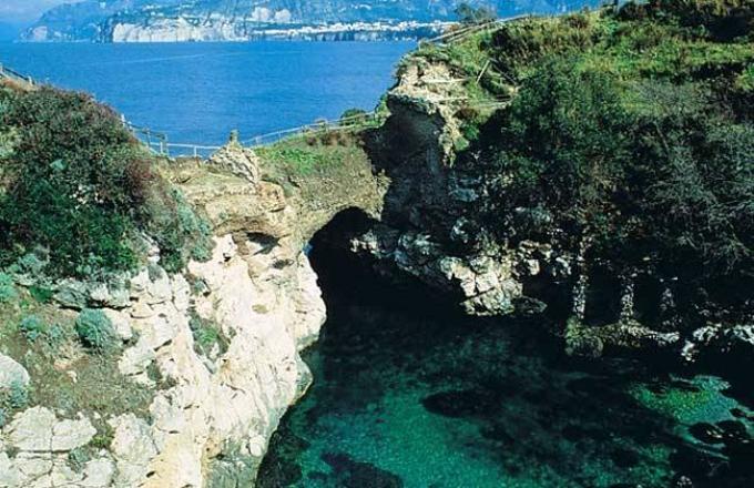 Tour Amalfi Coast - Notti chiare ai Bagni della Regina Giovanna a ...